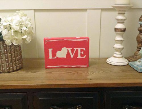 DIY Valentine's Day Wooden Sign