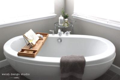 freetanding bathtub decorating