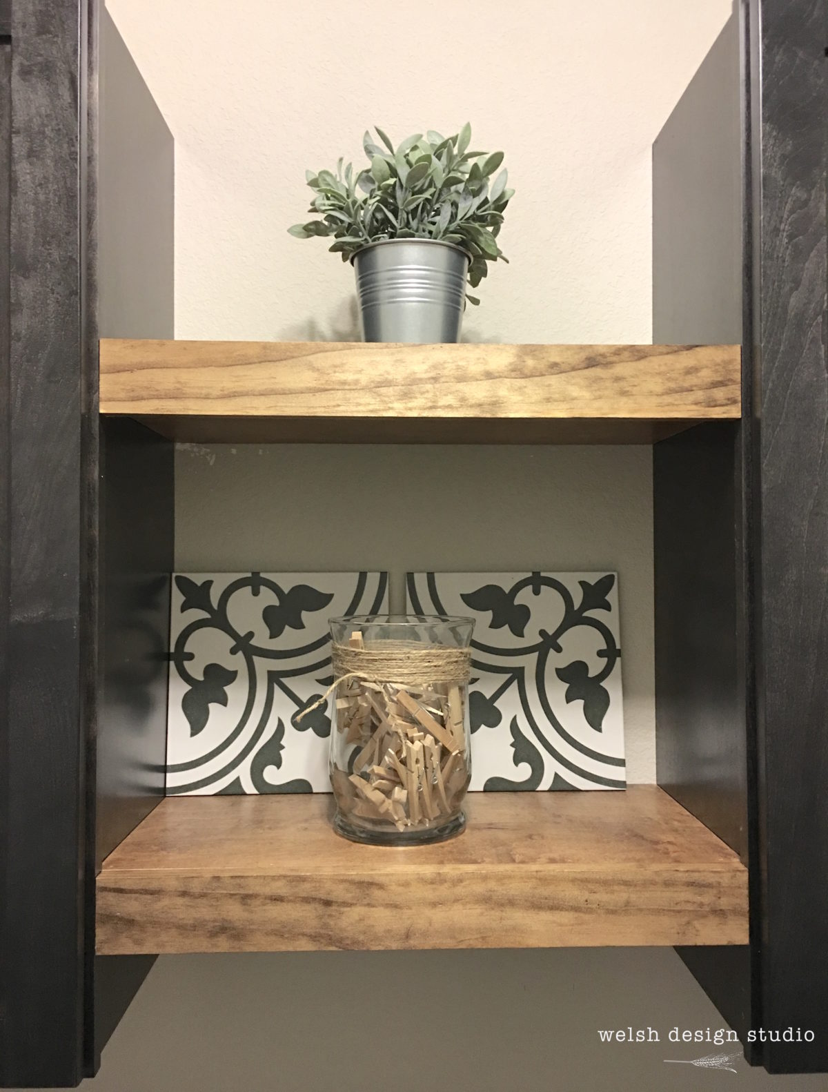 diy farmhouse shelves